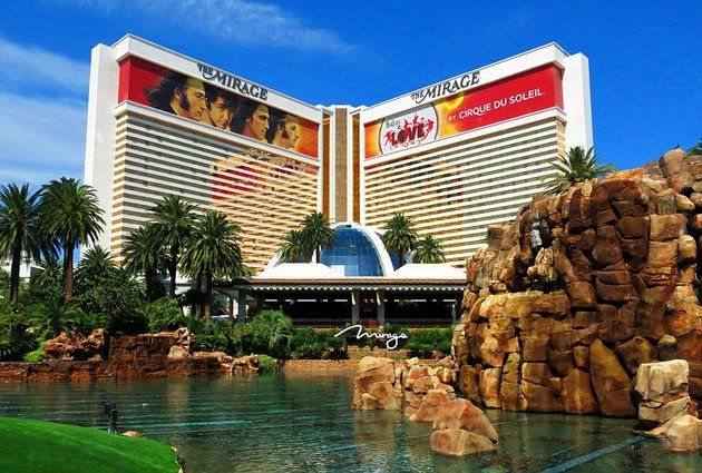 Mirage Hotel Erupting Volcano And Secret Garden Las Vegas