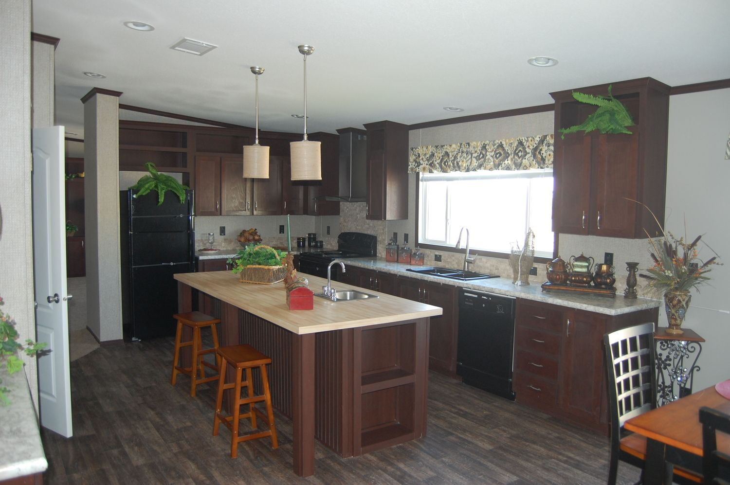 Pecan Valley 3 With New Colors And Vaulted Ceiling Manufactured Home New Mobile Homes Home