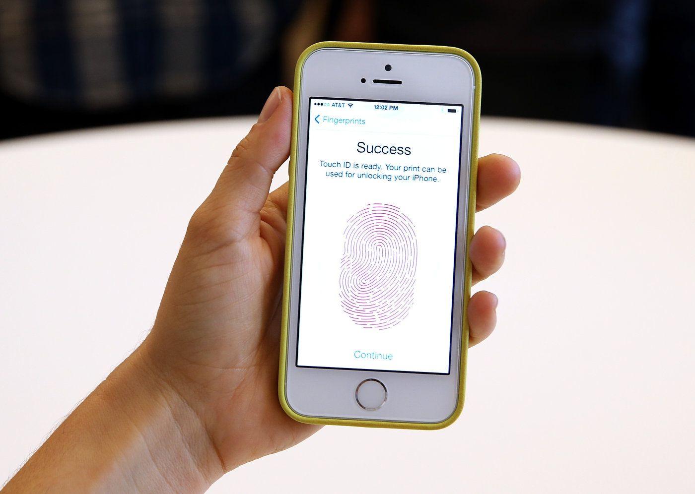 FBI want to use dead suspects fingerprints to open iPhones Having ...