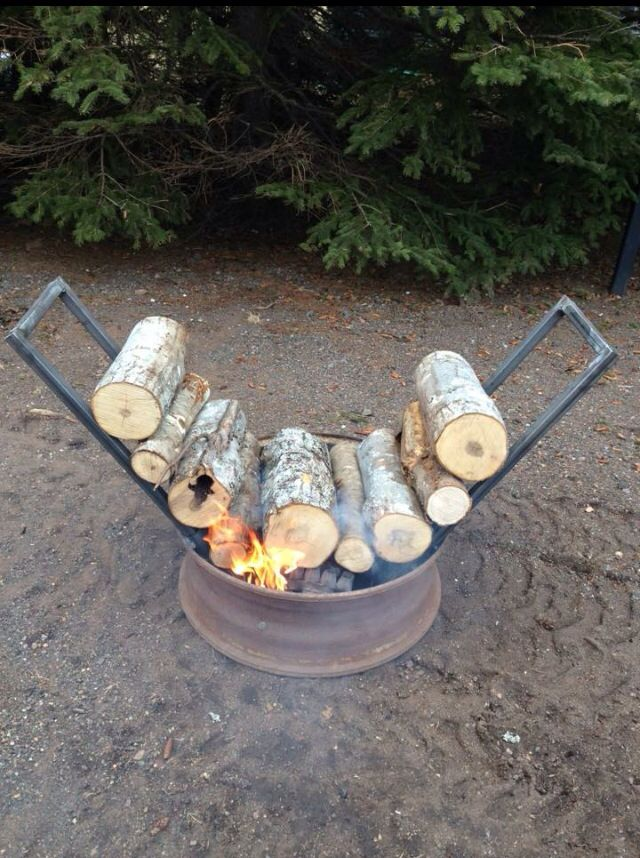 Self feeding firepit ! What an awesome idea ...