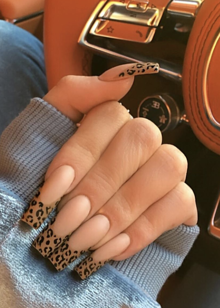 Kylie Jenner S Leopard French Manicure Is The Perfect Nail Art For The New Year In 2020 Kylie Nails Long Acrylic Nails Pretty Acrylic Nails