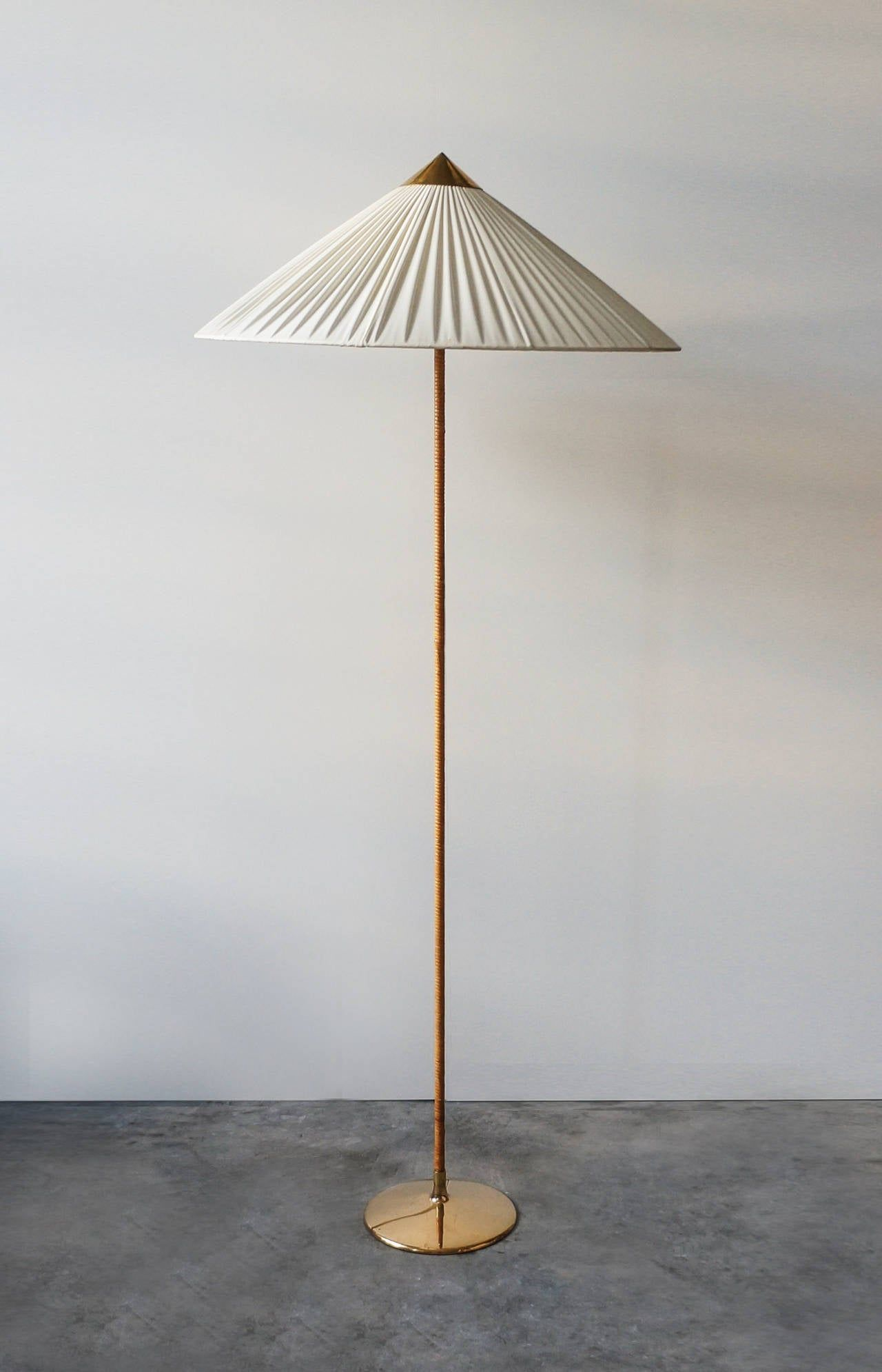 Paavo Tynell Floor Lamp Model 9602 1940s In 2020 Vintage Floor Lamp Modern Floor Lamps Floor Lamp