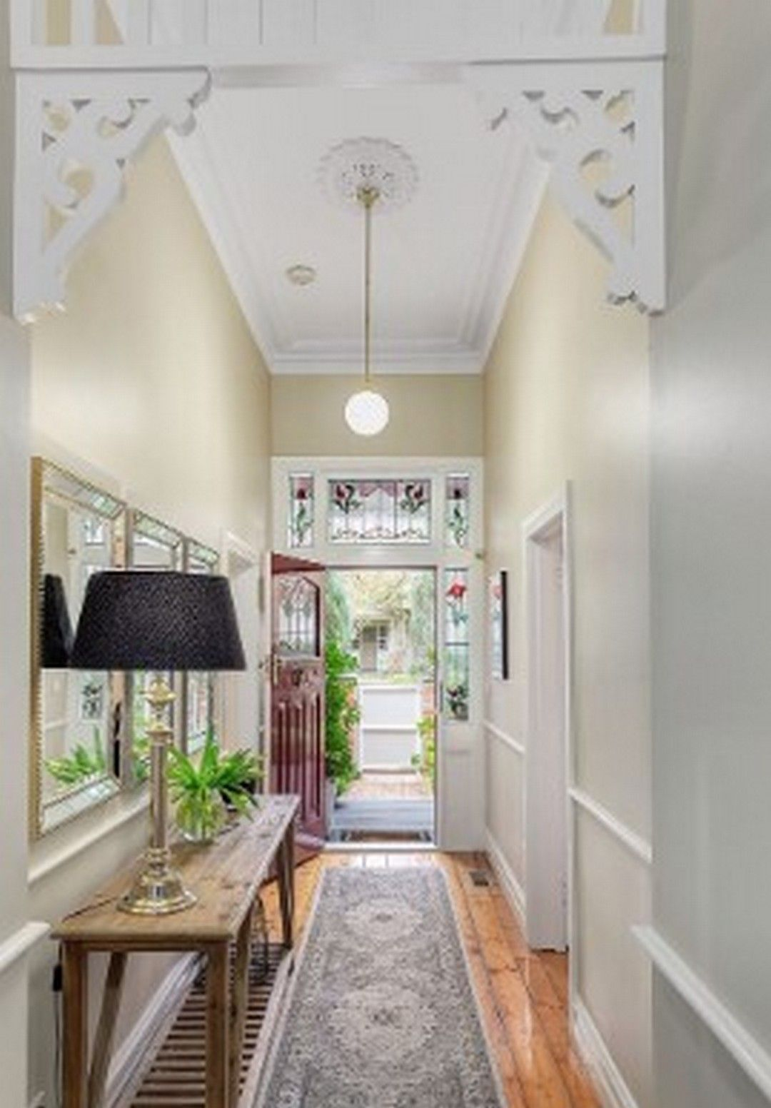 6 Design Idea A Thick Hallway Makeover Bungalow Hallway Ideas Hallway Designs Cottage Hallway