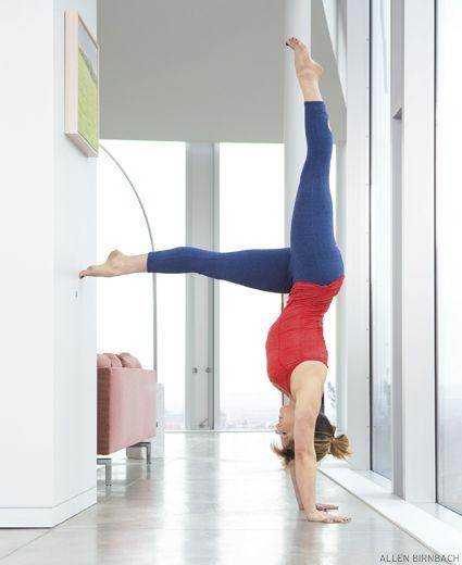 Gambar Hand Stand : gambar, stand, Steps, Gravity, Master, Handstand, Handstand,, Poses,
