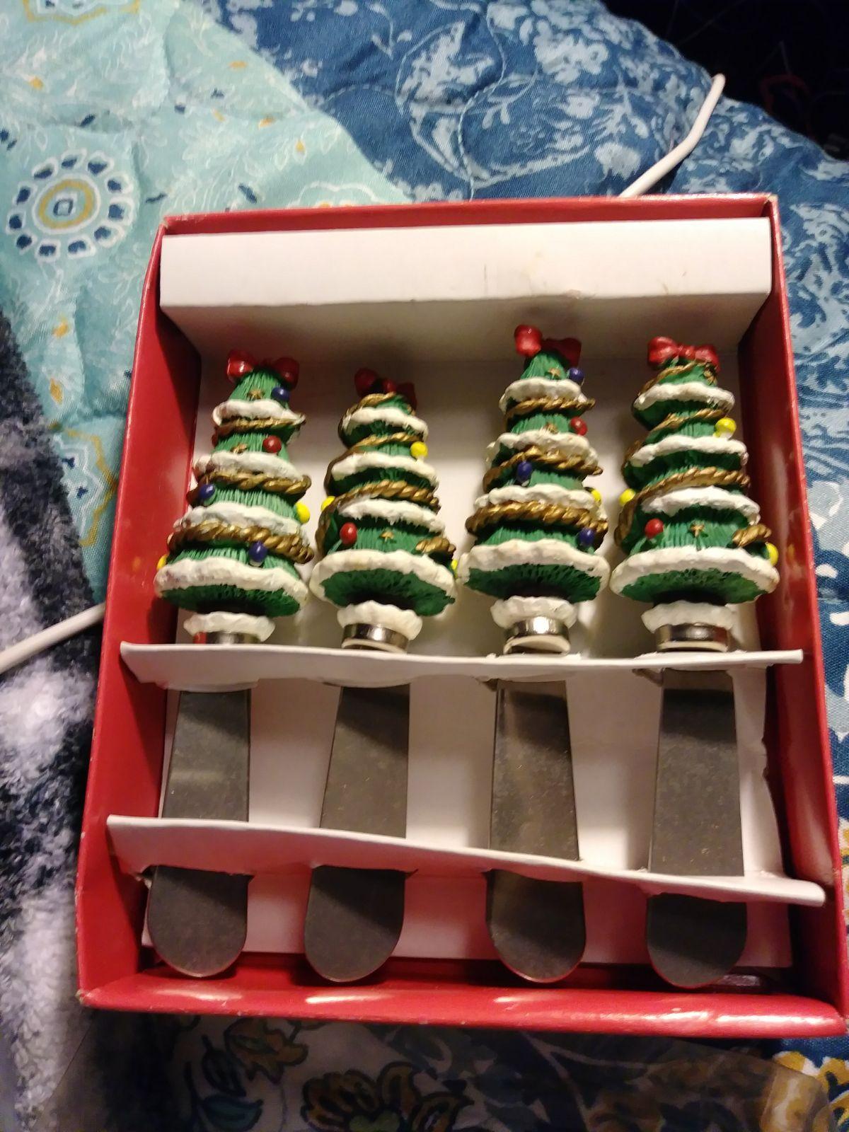 Vintage Christmas Decor Vintage Kitchen Utensils Christmas Hostess Gift Vintage Set of 4 Christmas Bulb Lights CheeseButter Spreaders