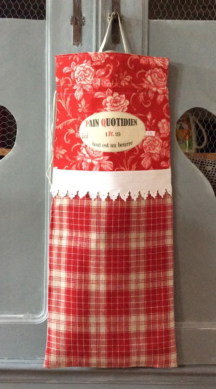 Sac à pain en kelsch alsacien à carreaux rouge/écru coton fleuri et dentelle ancienne : Autres sacs par rouge-lin-et-bois
