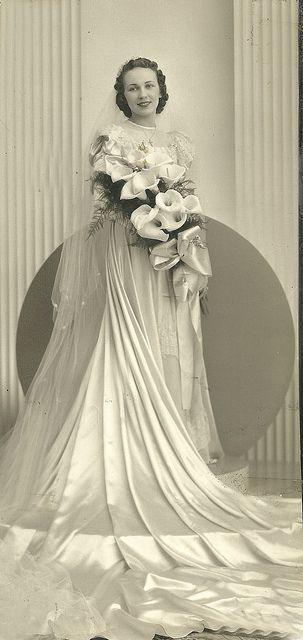 032 vintage wedding dresses pinterest alte fotos hochzeiten und vintage kleidung. Black Bedroom Furniture Sets. Home Design Ideas
