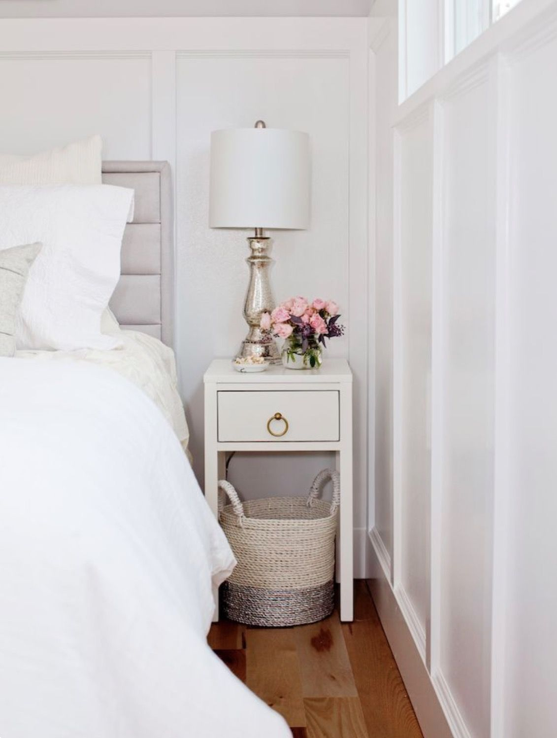 Small Bedside Table Ideas: Pin By Brunettetemi On The Interior .