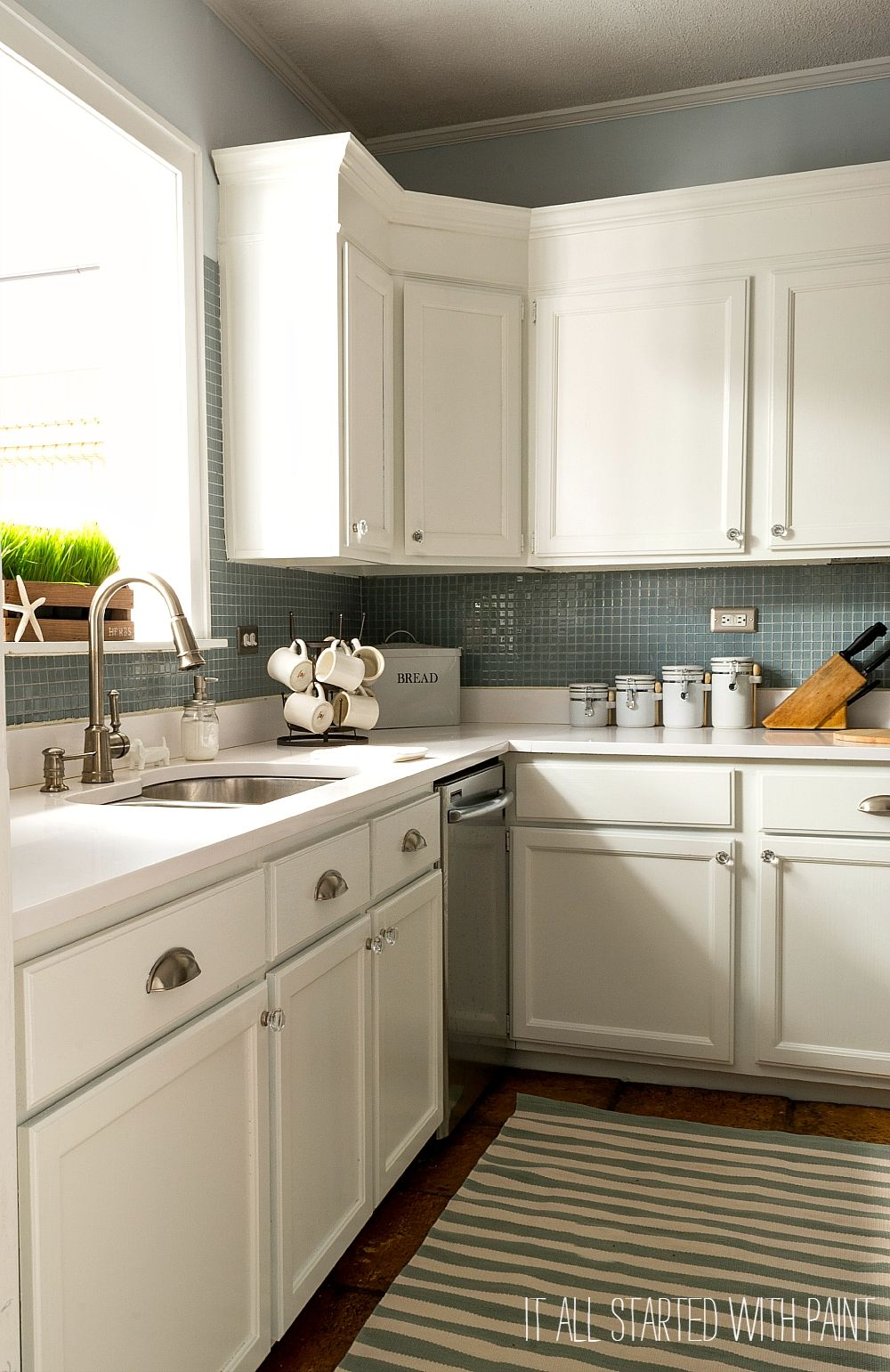 Builder Grade Kitchen Makeover With White Paint Kitchen Cabinets Decor Builder Grade Kitchen Kitchen Cabinets