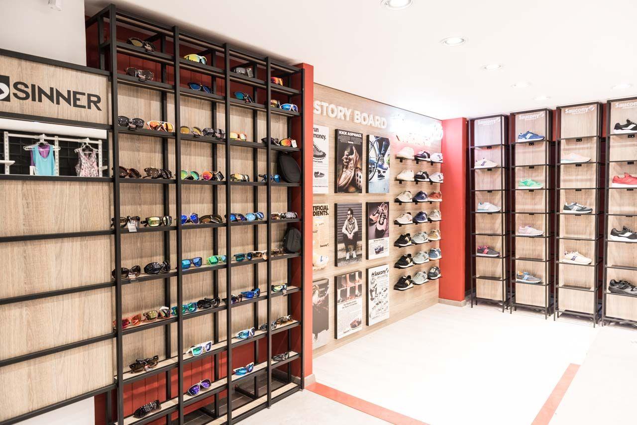 9cbbc3e56ab ΕΠΙΠΛΩΣΗ ΚΑΤΑΣΤΗΜΑΤΟΣ | SAUCONY στην ΘΕΣΣΑΛΟΝΙΚΗ | SAVOPOULOS Shop Fitting