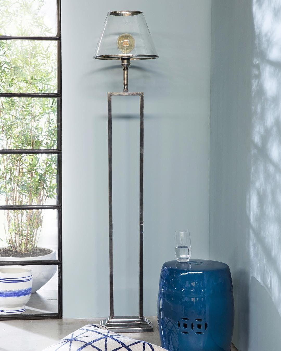 Pin By Veronique Legendre On Chambre A Coucher In 2020 Ladder Decor Decor Lamp