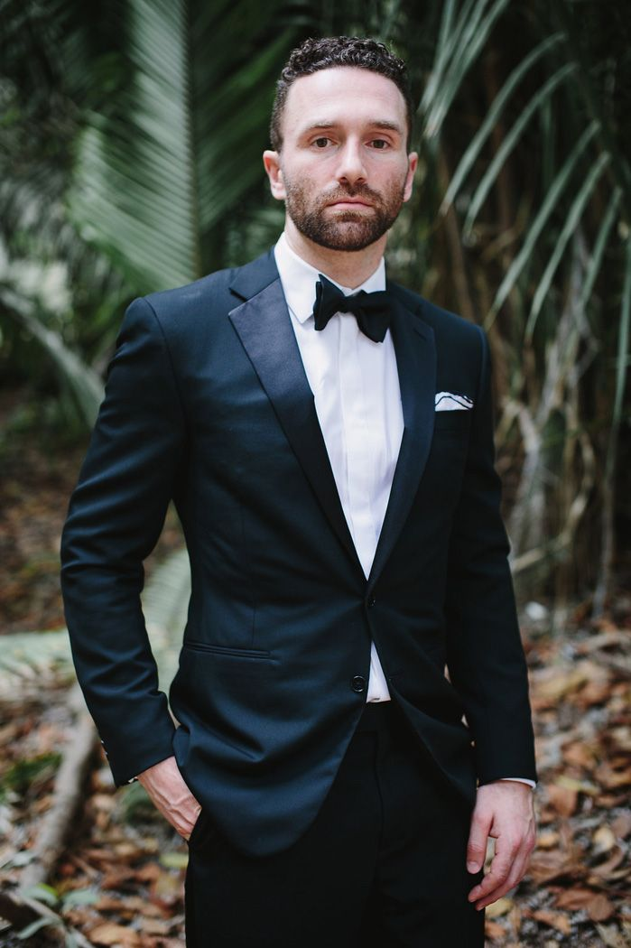 Groom style for a destination wedding in Mexico | fabmood.com