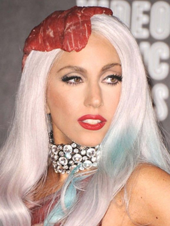 8c9969722 Lady Gaga Blanca y corte de pelo azul con rayas | Hair style en 2019 ...