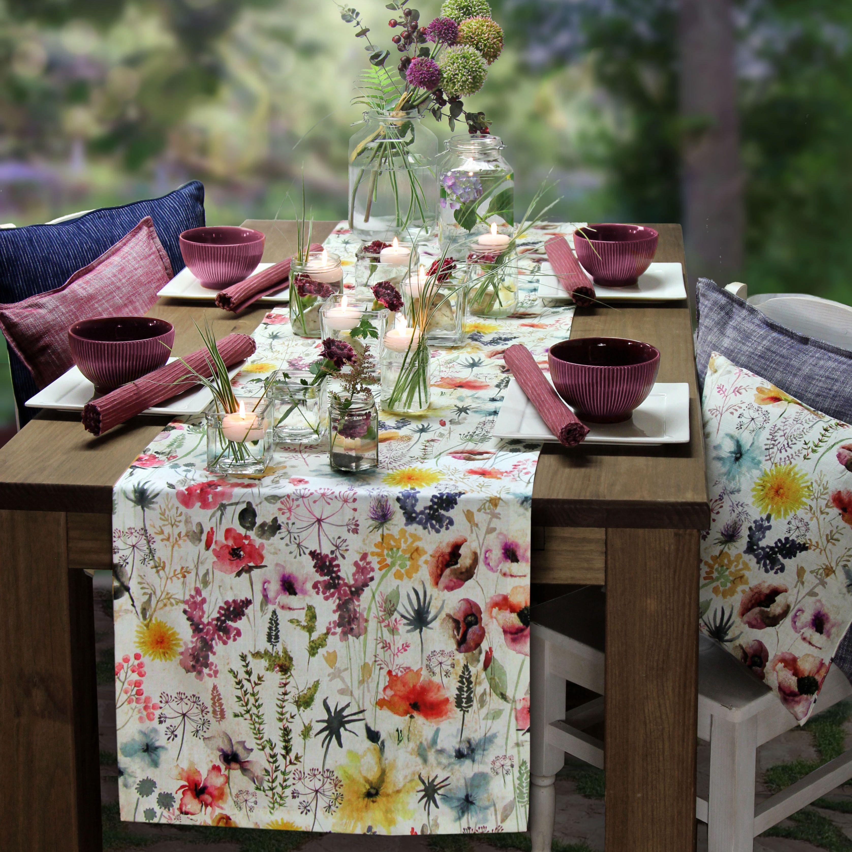 wie eine blumenwiese im sp tsommer pr sentiert sich agnes die vielf ltigen wiesenblumen in. Black Bedroom Furniture Sets. Home Design Ideas