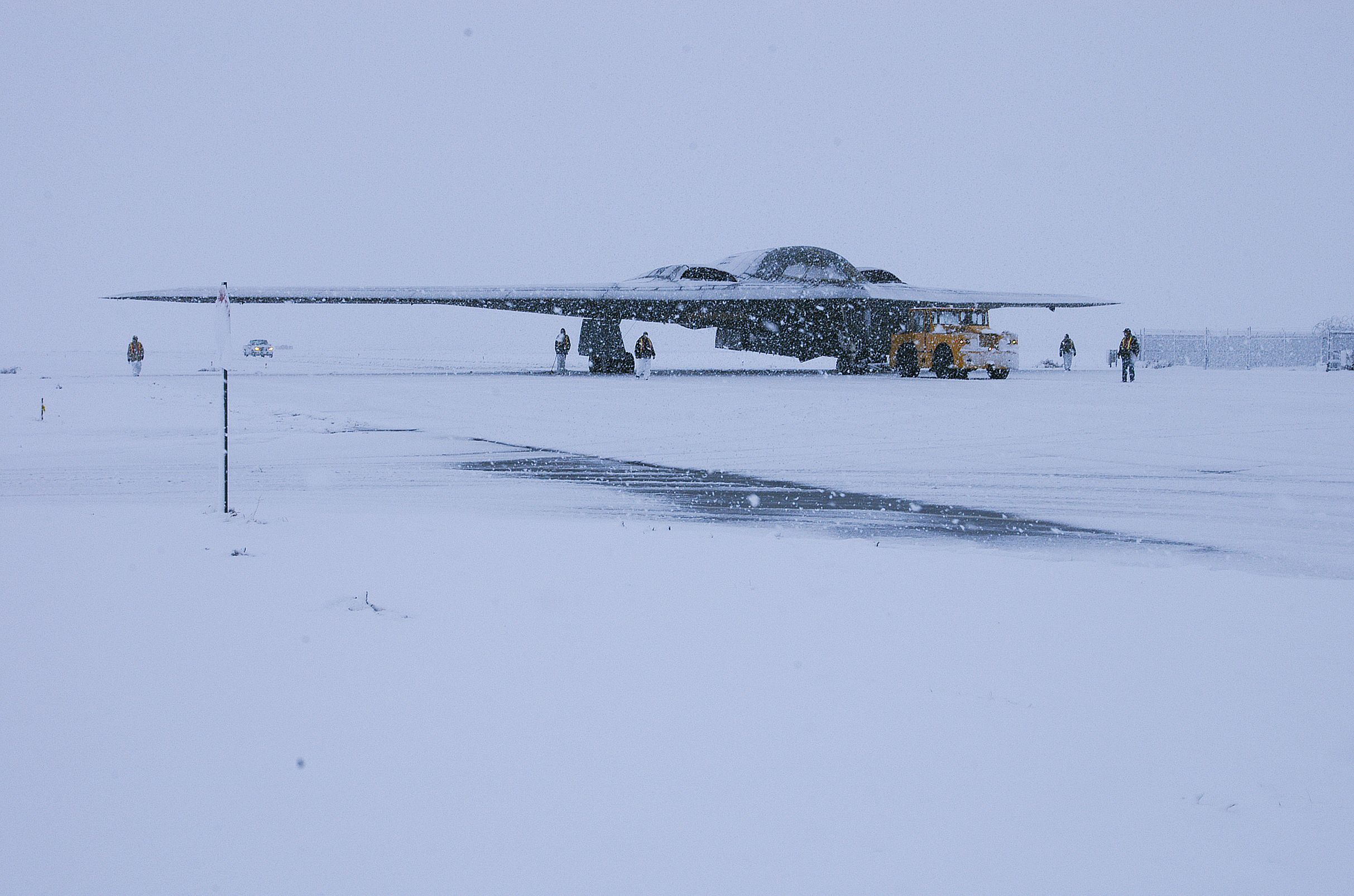 B2 Spirit In The Snow | Fighter Aircraft | Pinterest | Aircraft ...