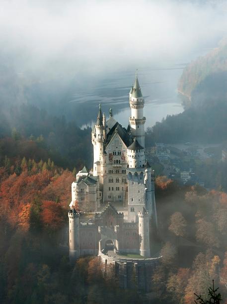 Neuschwanstein in mist
