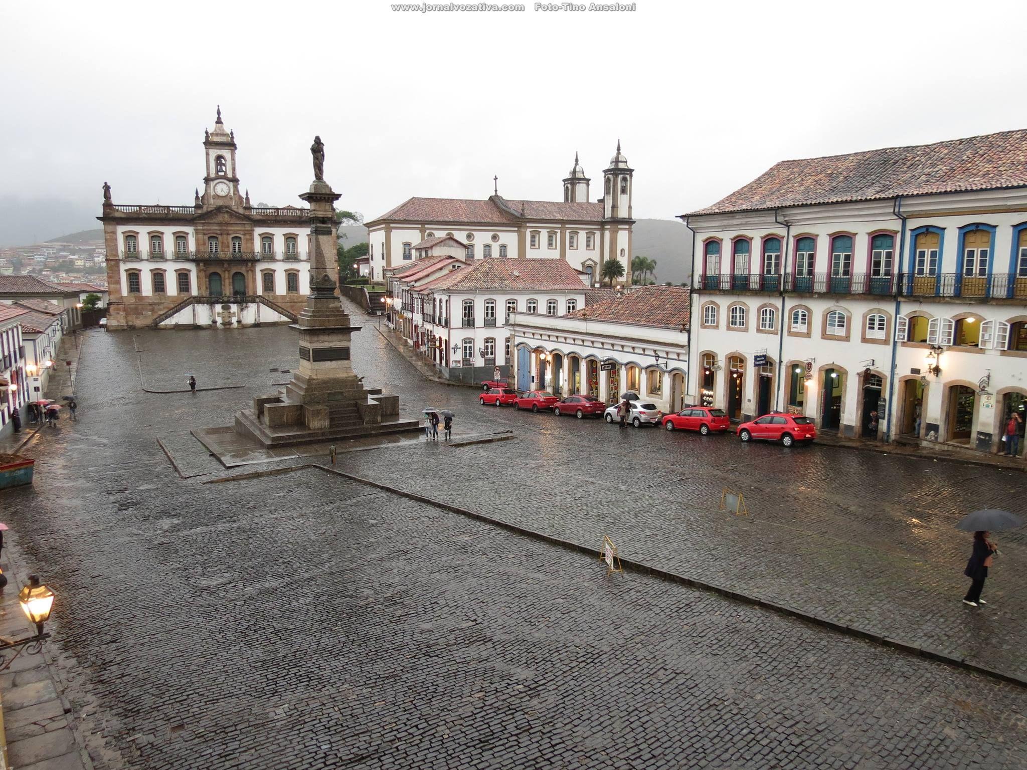 Central Square - Praça Tiradentes