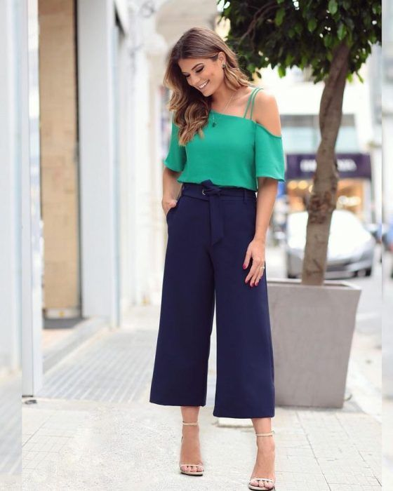37 Outfits Con Pantalon Palazzo Corto Para Lucir Elegante 2019 How To Wear Culottes Fashion How To Style Culottes