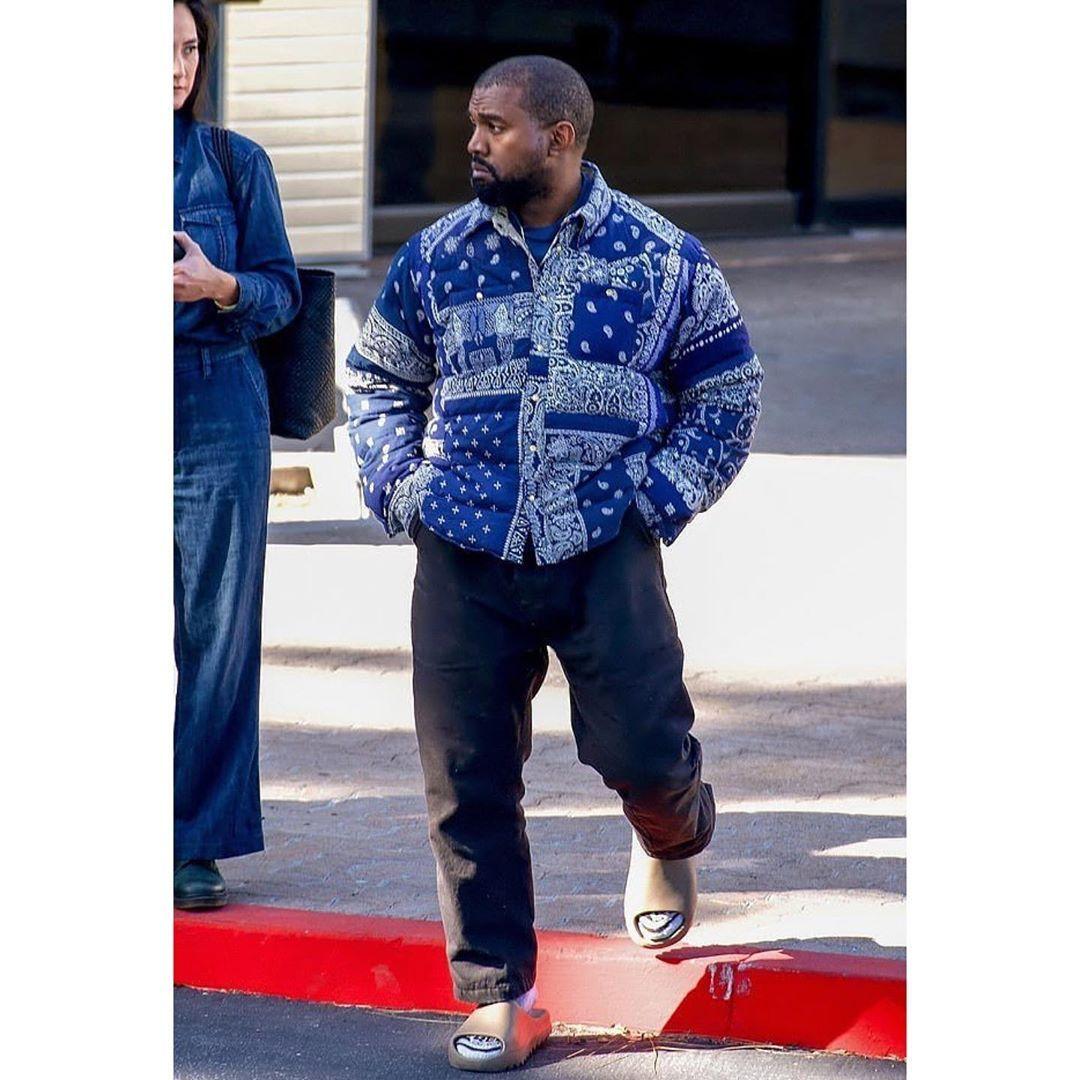 Kanye Omari West On Instagram Kanye Wearing A Blue Visvim Bandana Kerchief Down Jacket Black Unreleased Yeezy Seas In 2020 7 Jeans Yeezy Season Celebrity Outfits
