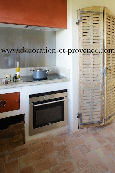 Décoration d\u0027intérieur Cuisine classique dans une bastide - couleur des portes interieur