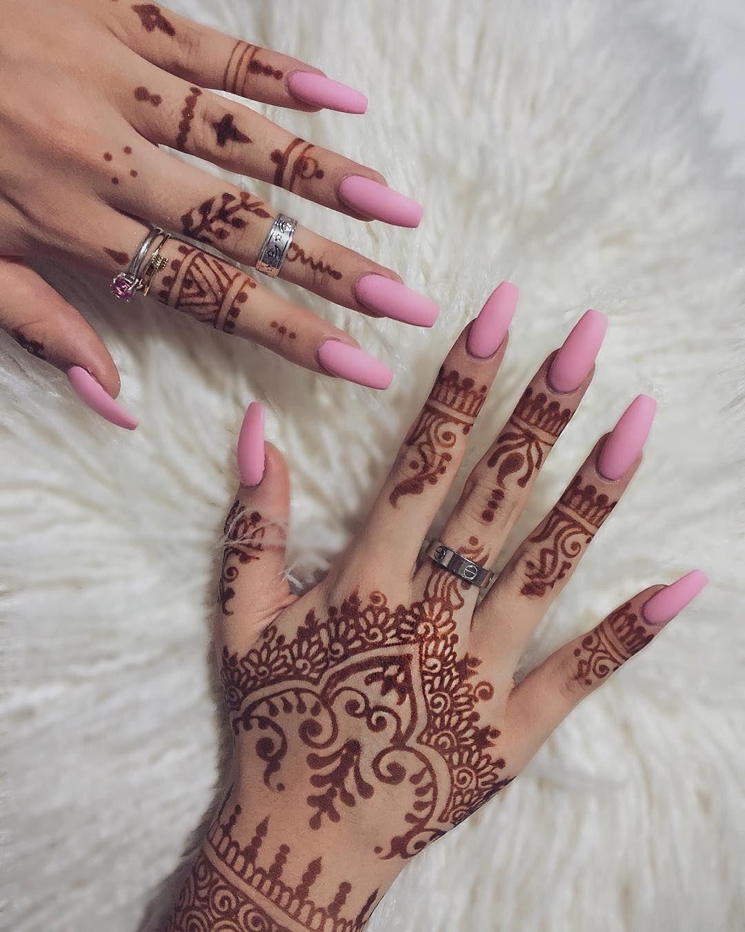 Nail 🌸   thehangedit   Henna nails, Henna nail art, Nail art
