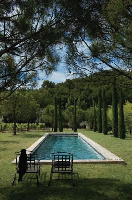 Near Ménerbes, a lovely village in Luberon, Southern France, Laurent and Antoine, both Parisians, remodeled this old sheep barn into a somptuous summer/weekend house.