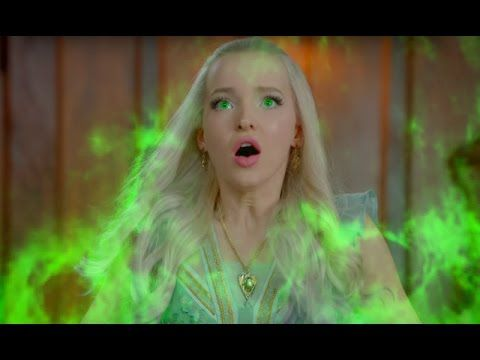 "DESCENDANTS 2 - ""UMA Versus MAL Battle !"" - Clip (2017) Kids, Disney New Movie HD - YouTube"