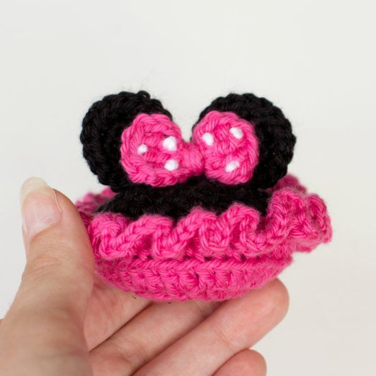 Learn how to create these adorable Minnie Mouse inspired booties, a ...