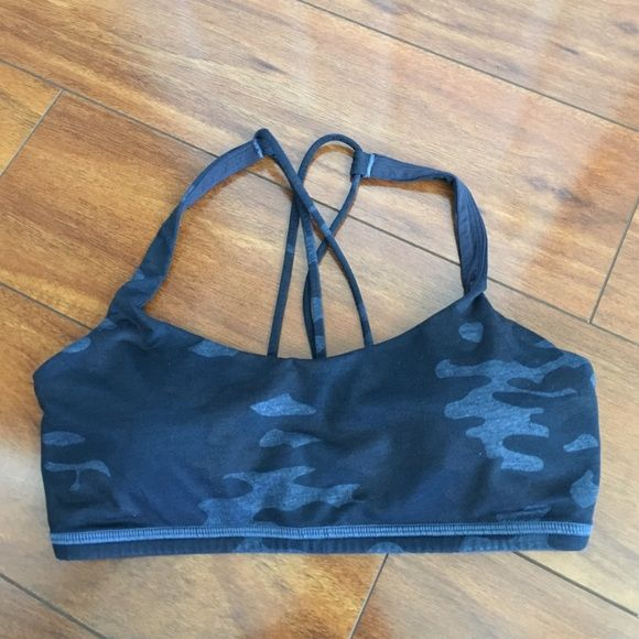 Lululemon Free to Be Bra Blue Camo 6 Gently to well worn condition. No known piling, tears or stains. Comes with padded inserts and free small Lulu bag.  Comes from a smoke-free, but not pet-free home. ➡️ Offers welcomed.  No trades. No holds.  Fast shipping! lululemon athletica Intimates & Sleepwear Bras