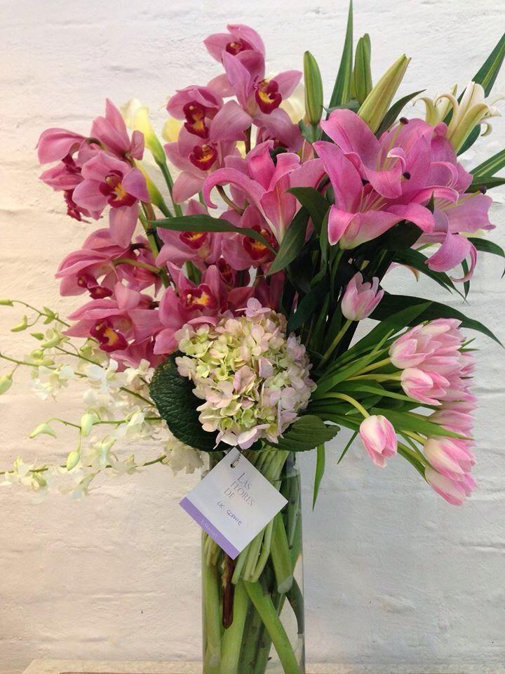 Arreglo Floral Con Orquídeas Cymbidium Tulipanes Y