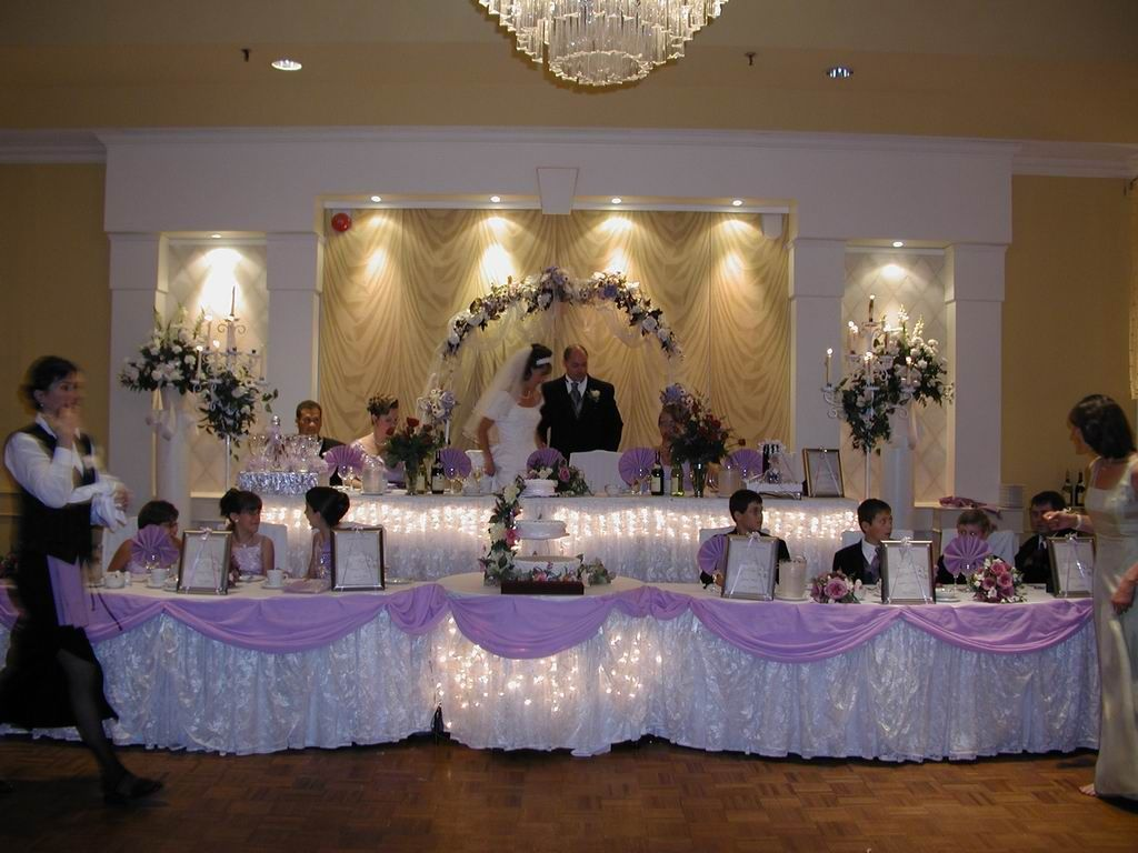 Photo via head tables table decorations and weddings for Wedding banquet decorations