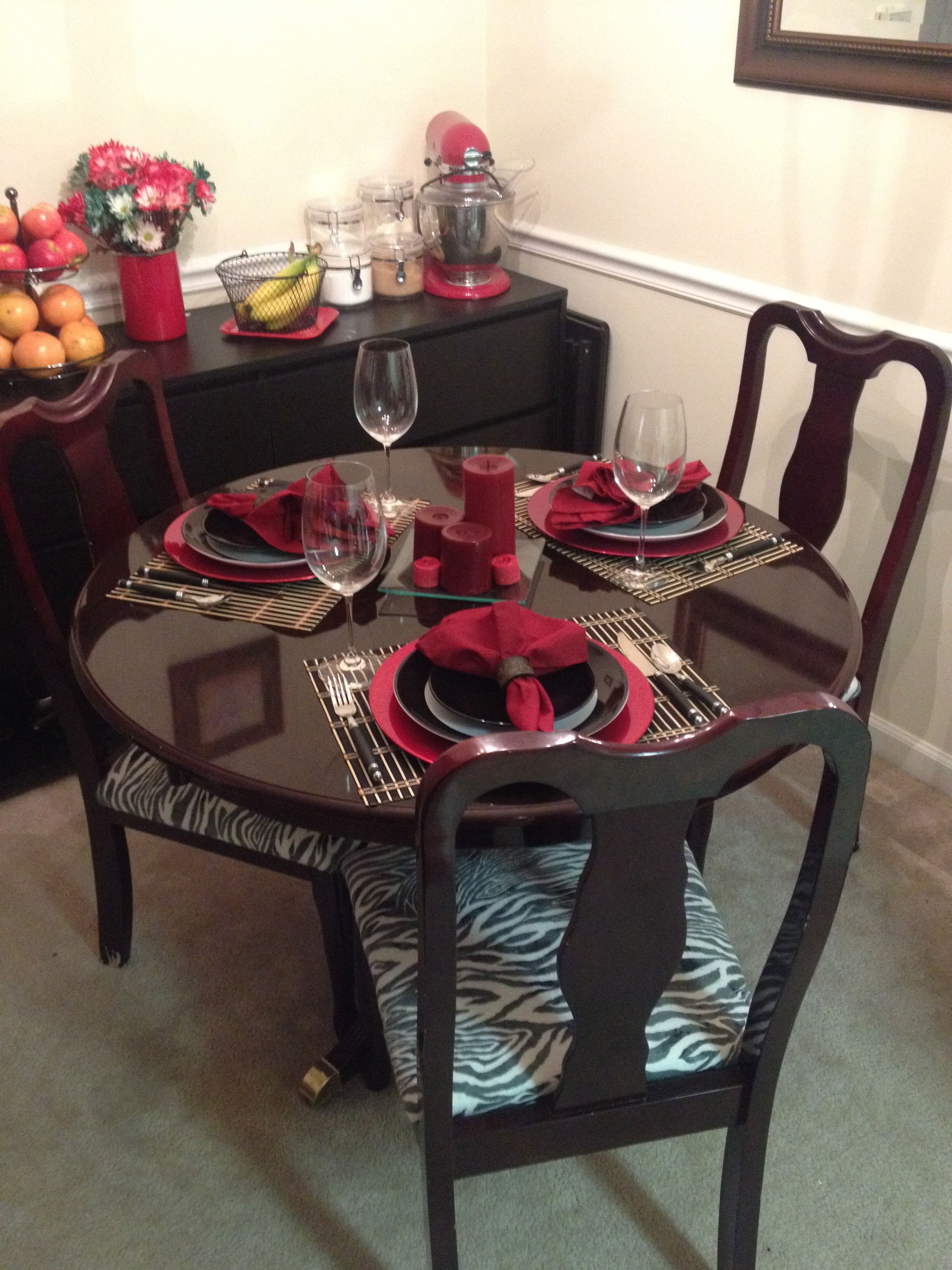 Delightful Dining Room Table Set Up With Refurbished Table And Recovered Chairs From  Craigslist!