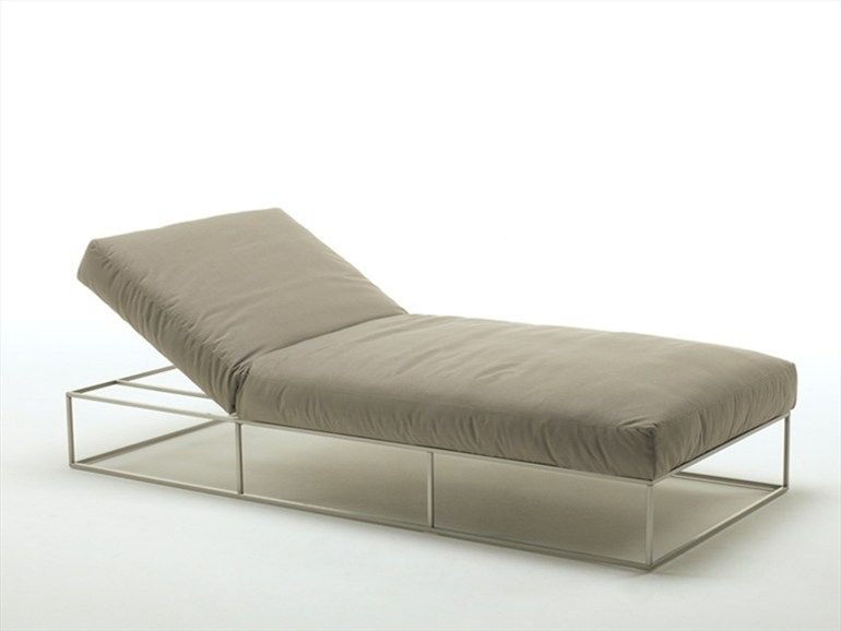 Lounge chair garden daybed ile club collection by living for Chaise longue garden furniture
