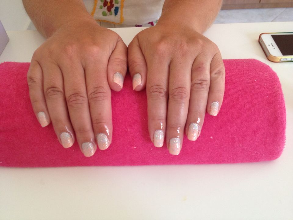Peach with glitter fade (With images) Cnd shellac nails
