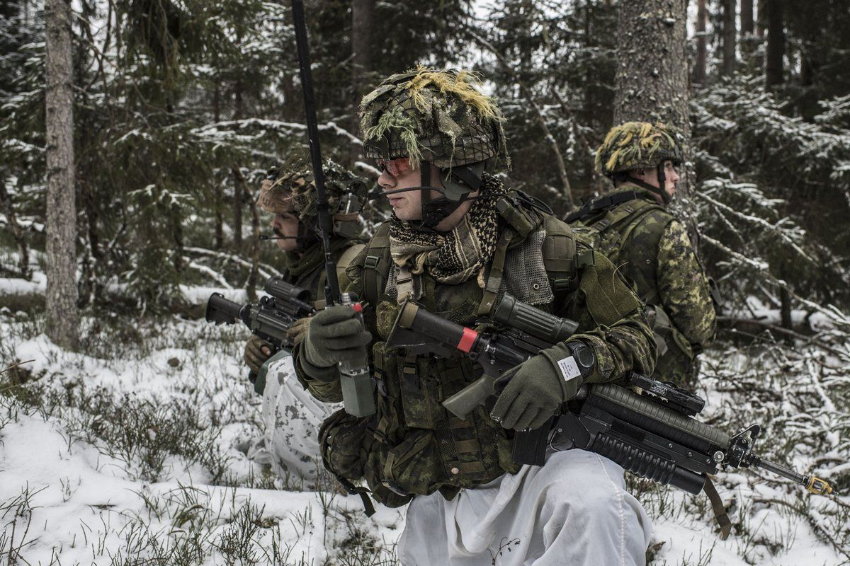 Canadian Soldiers (1200x800) Canadian soldiers, Canada