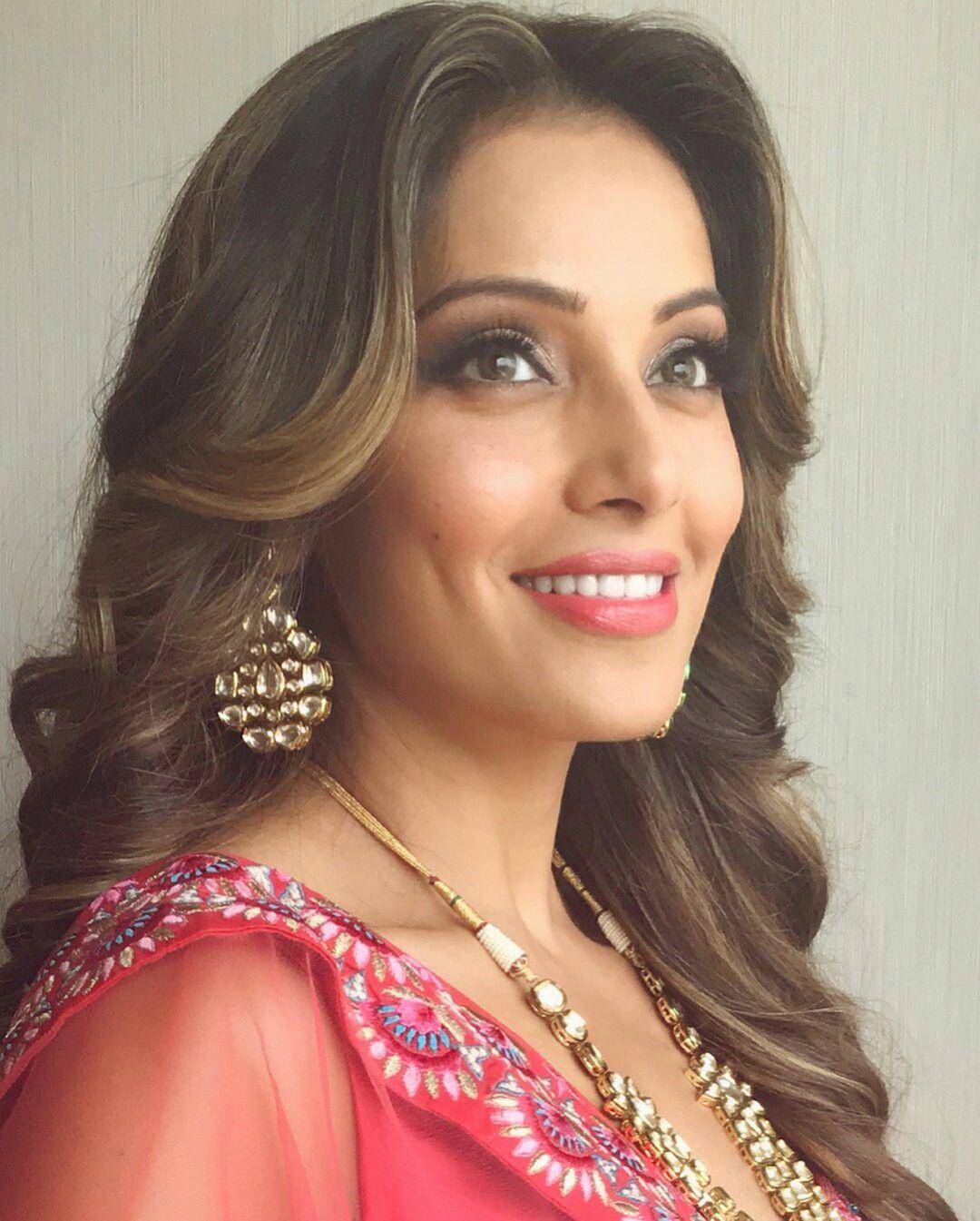 Bollywood Actress Bipasha Basu Beautiful Faces Pinterest