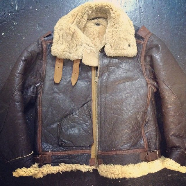 a795f278f Original WWII B-3 bomber jacket size 46 in great shape   Vintage ...