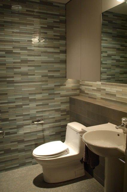 Photo of elsker denne flisen for bak badespeilene og en kant rundt badekarets base
