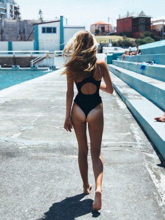Bikini butt tanlines
