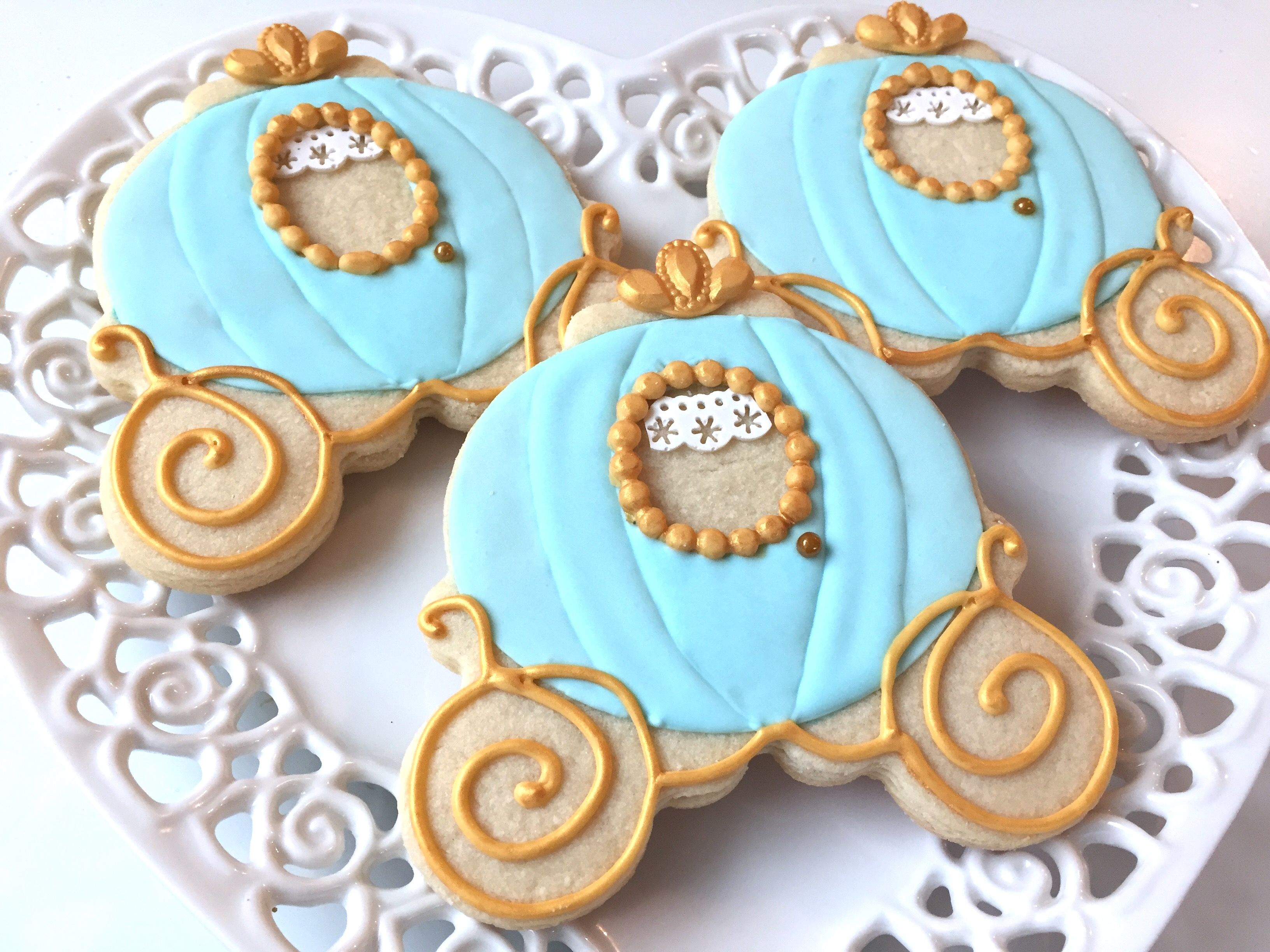 Cinderella pumpkin carriage cookie | Amelia's Desserts | Pinterest ...