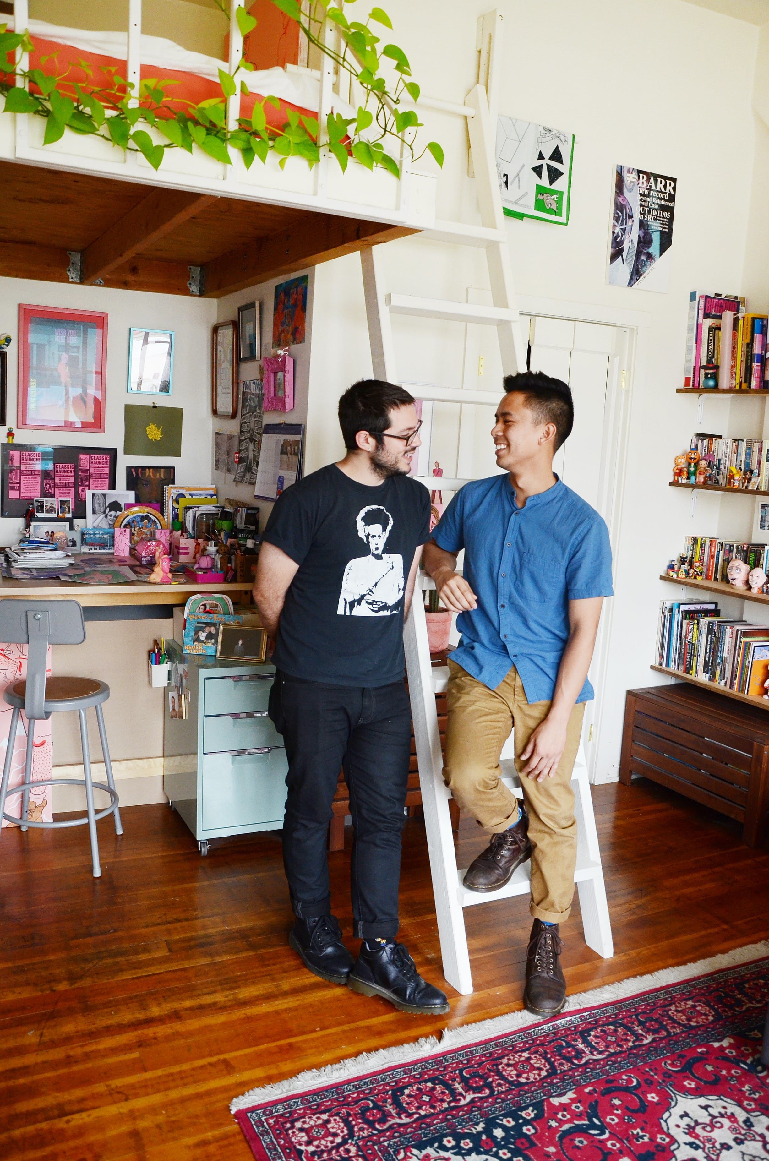 Sharing A Super Small Space How Two People Live Well In Just 300 Square Feet Square Feet House Tours Cool Rooms