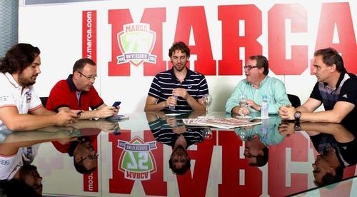 nbaspaniards:  Pau recently did an interview with Spanish website Marca.com, in which he talked about last season injuries, Dwight Howard, and the current state of the Lakers. If you can read Spanish, check it out! [x]  Pau Gasol yes please!!!!!! ;)