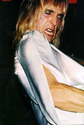 Bowie guitarist Mick Ronson is .....