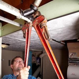 How To Remove A Stuck Cleanout Plug Plumbing Repair Diy Plumbing Repair