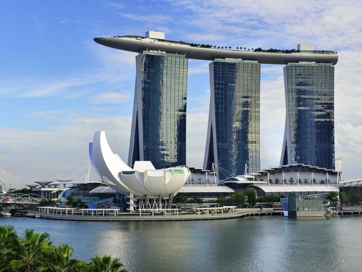 Welcome to singapore the most expensive city in the world for Most luxurious hotel in singapore