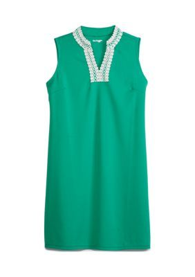 Kim Rogers Petite Sleeveless Kurta Dress. Accented by chic detailing at the neck, this dress from Kim Rogers is a polished, preppy addition that can be styled up or down.