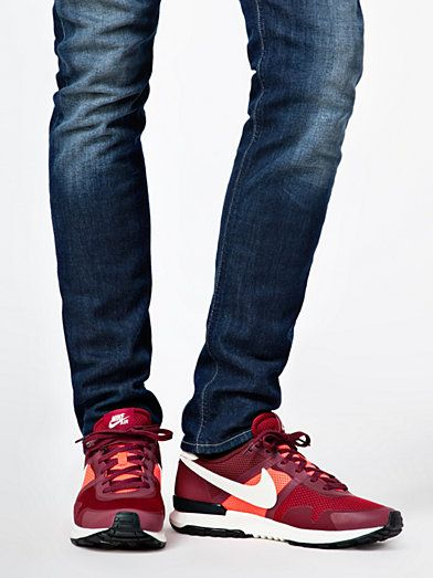 nike air pegasus 83 with jeans