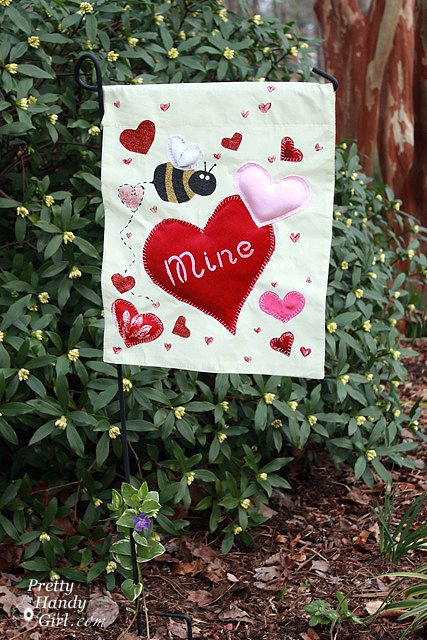 Valentine S Day Garden Flag From A Placemat With Images Garden