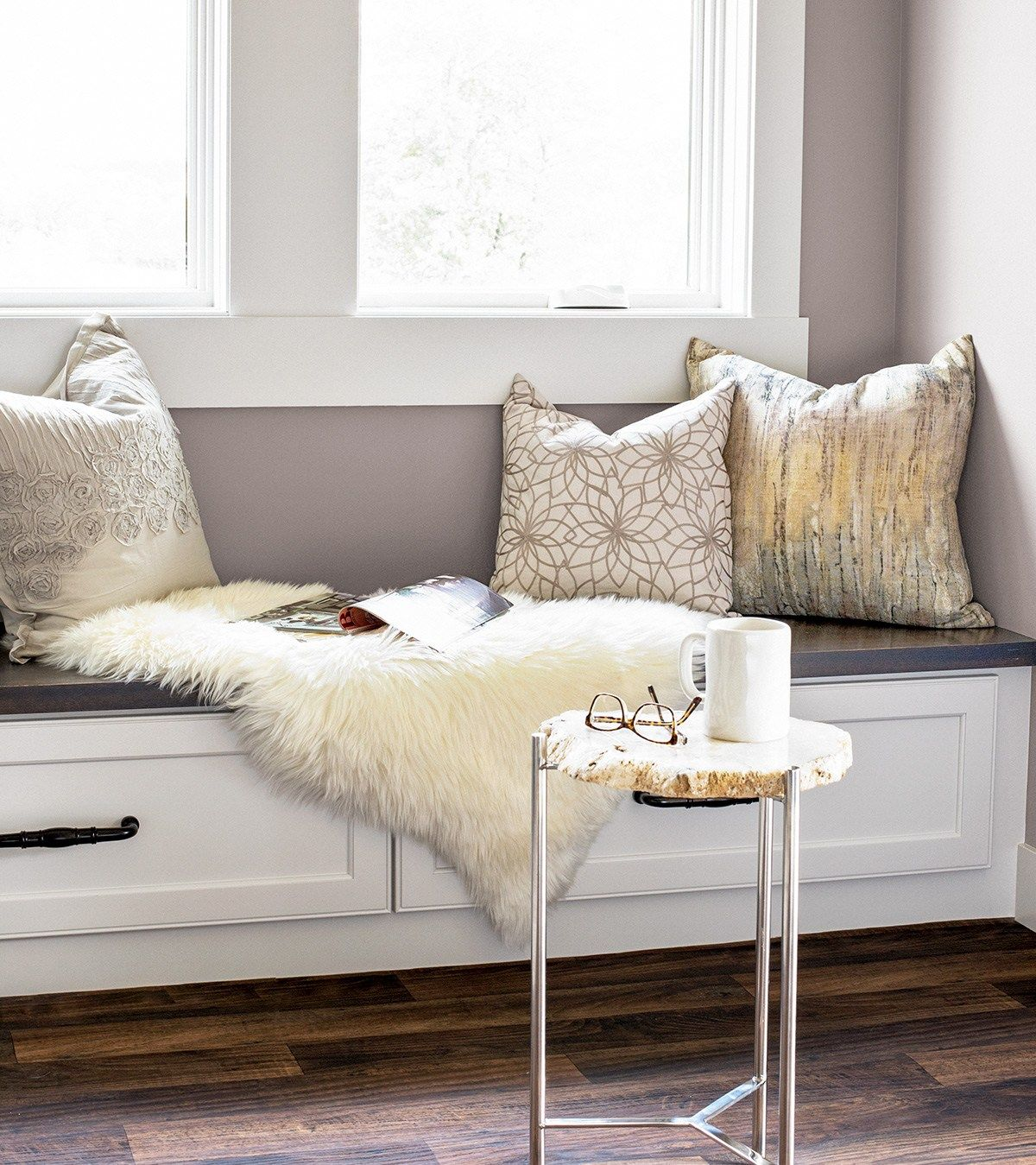 A Simple Way to Add Sparkle To Your Space | Lavender walls, Wall ...