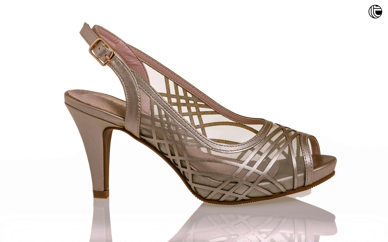 c209105e9b6 Zapato de mujer ideal para asistir como madrina a una boda
